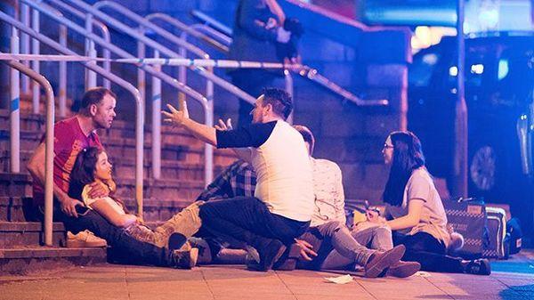 В Манчестере на концерте произошел взрыв. Теракт, Манчестер, Англия, Политика, Видео