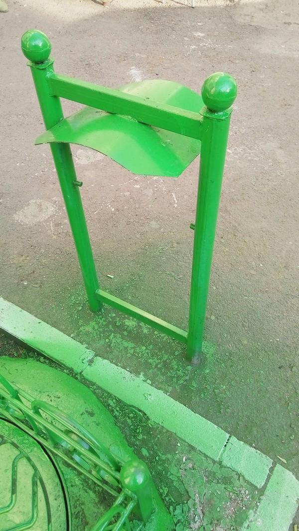 Зеленеет трава, асфальт и .. Покраска, Жкх, Длиннопост