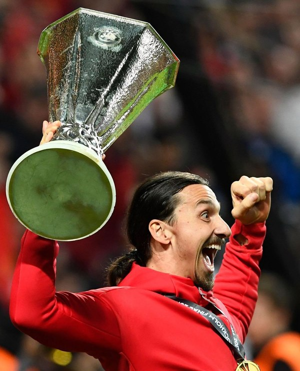 Златан выиграл первый большой европейский трофей за 18 лет карьеры! Ибрагимович, Златан, Манчестер Юнайтед