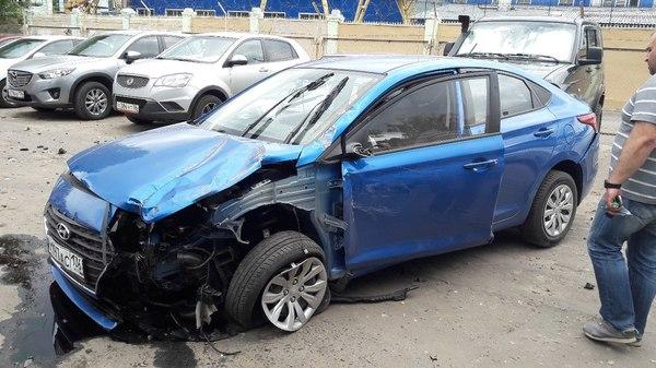 Женщина разнесла пять автомобилей в Воронеже из-за заклинившей педали газа Воронеж, Дтп, женщина за рулем, длиннопост
