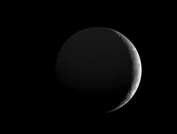 Энцелад и его полумесяц космос, Кассини, Энцелад