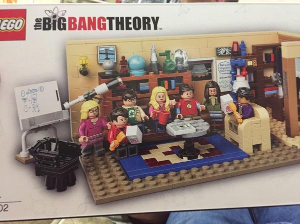 Подарок от любимой супруги lego, Теория большого взрыва, подарок