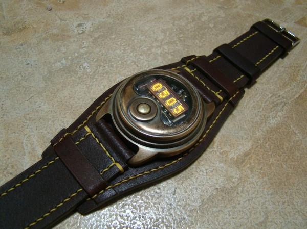"""Часы с """"винтажной"""" матрицей (не ламповые :) часы, стимпанк, не ардуино, видео, длиннопост"""
