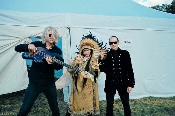 У Шамана три руки... Русский рок, Группа Пикник, шаман, концерт, окно, Косплей, Пикник, русский косплей, длиннопост