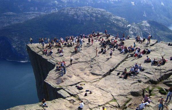 Heliboogie. Прыжки с высоты 604 м. Норвегия, Heliboogie, утес, природа, достопримечательности, фьорды, прыжки с высоты, интересное, видео, длиннопост