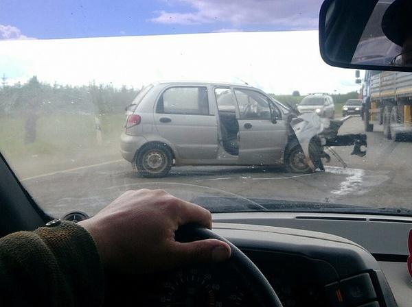 Водитель из Татарстана спровоцировал ДТП на трассе М7 в Удмуртии дтп, подрезал, авария, удмуртия, гибдд, водятел, видео, длиннопост