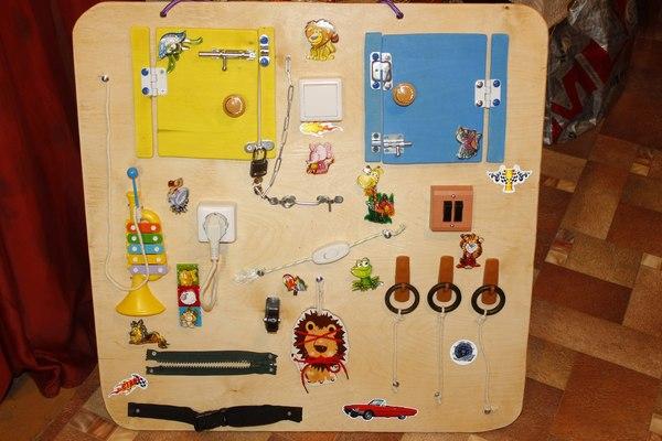 Развивающая доска или бизиборд своими руками Рукожоп, Рукоделие, Своими руками, Handmade, Бизиборд, Развивающие игрушки, Развивающее, Мантесори