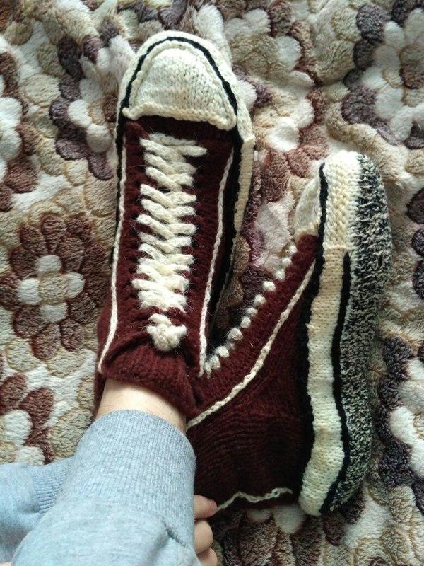 Мамуля связала в подарок носочки