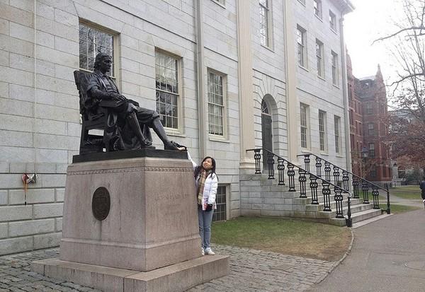 Памятник Гарварду или статуя тройной лжи. Гарвард, универ, Ложь