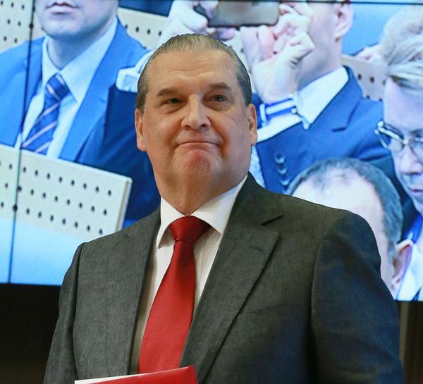 Сенатор обосновал разрыв между зарплатами депутатов и учителей. текст, Картинки, новости, политика, депутаты, Зарплата