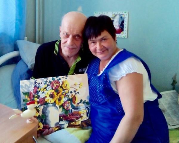 Художник из дома престарелых дом престарелых, творчество, резьба по дереву, длиннопост, фонд старость в радость