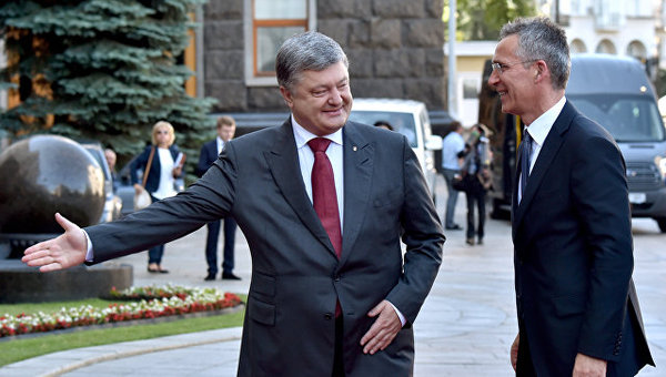 Forbes: США должны захлопнуть дверь в НАТО перед Киевом Политика, Украина, Киев, Европа, нато, США, Forbes, РИА Новости