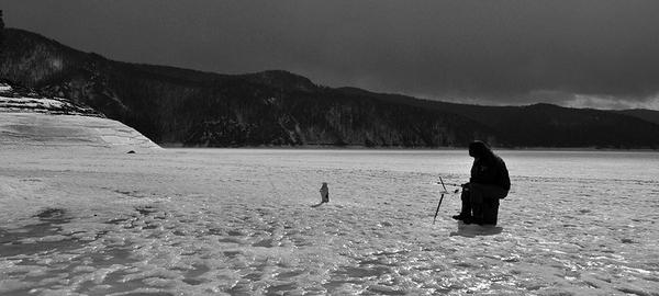 Рыбацкая медитация фотография, лёд, Небо, рыбак, не клюет