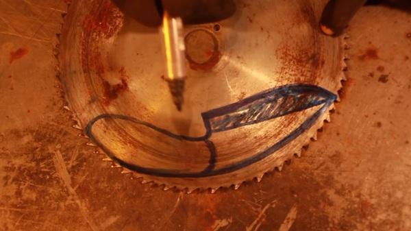 Это конечно не кукри и не керамбит, главное хлебушек режет. рукоделие с процессом, нож, сделай сам, видео, длиннопост