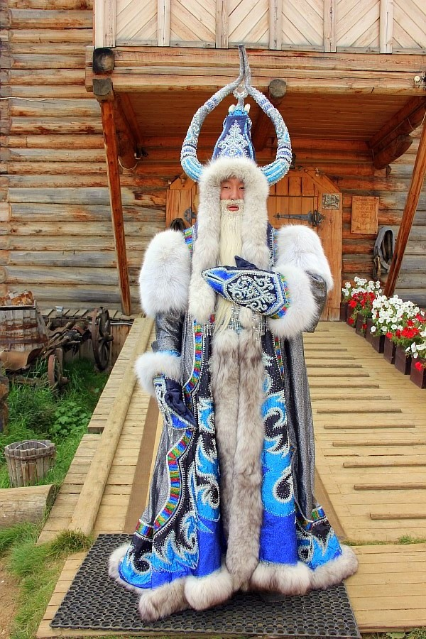 А в Якутии Дед Мороз даже летом работает!