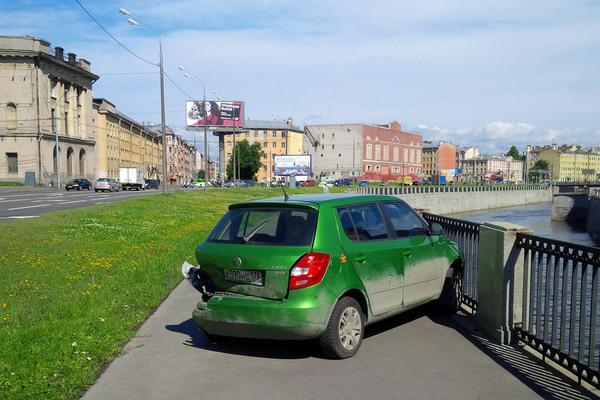 Непонятное Санкт-Петербург, авария, набережная, машина