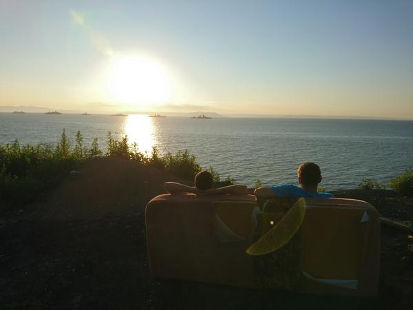 Типичный Владивосток Владивосток, четко, диван, море, ДеньВМФ, зачем