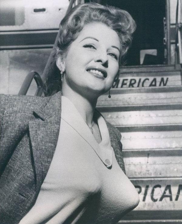 """Тренд 1940-1950 гг. """"Бюстгальтер-пуля"""" девушки, ретро, Подборка, прошлое, 20 век, Интересное, мода, лифчик, длиннопост"""