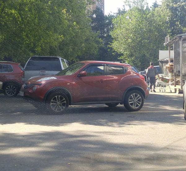 Припарковалась неправильная парковка, женщина за рулем, наказание, наплевательство