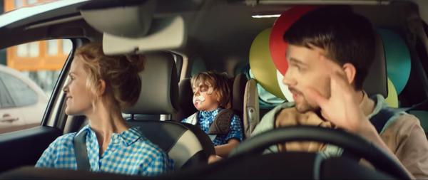 Побитый ребёнок в рекламе Lada X-Ray Лада, Реклама