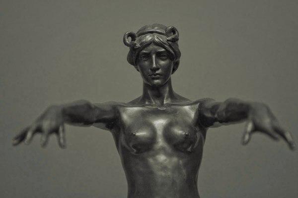 Цирцея бронза, Цирцея, скульптура, длиннопост