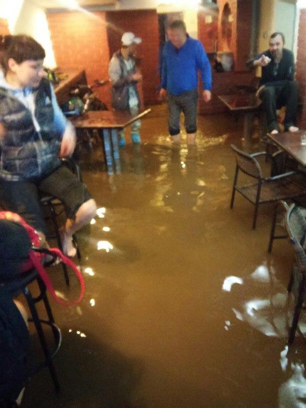 Ижевская Венеция потоп, бар, ижевск, венеция, море по колено, длиннопост