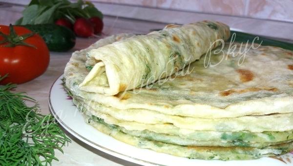 Слоеные Лепешки с зеленью на сковороде, тонкие и очень вкусные. лепешки, что приготовить, еда, еда на любой вкус, видео, быстрый рецепт, вкусно