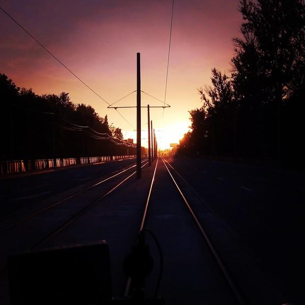 Утро. Санкт-Петербург, трамвай, доброе утро, вид из кабины