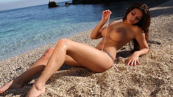 Фото голых девушек с пляжа 46910 фотография