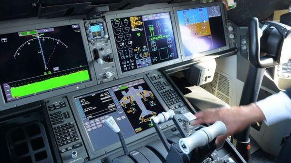 """""""Они только злят"""": почему пилоты массово уезжают из России Авиация, пилот, Зарплата, увольнение, длиннопост"""