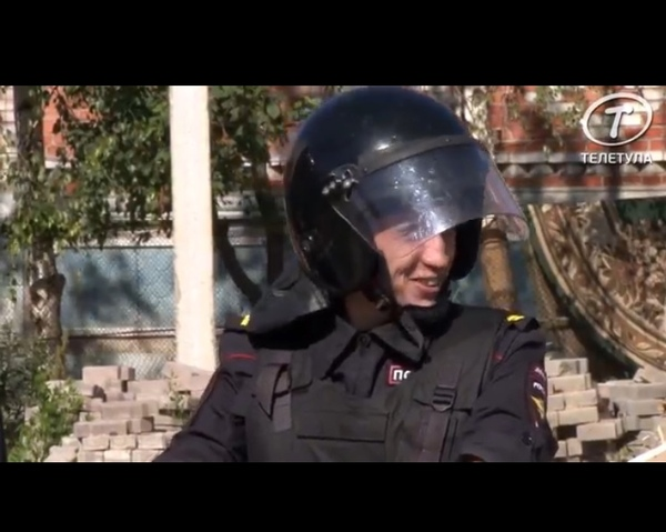 Когда позвали смотреть как сносят цыганские дома:) цыгане, радость, полиция, фотография