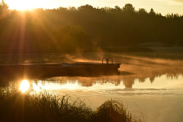 Рассвет на озере фотография, Озеро, солнце, лето