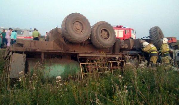 """Водитель """"КАМАЗа"""" погиб, перевернувшись на автодороге дтп, авария, смерть на дороге"""