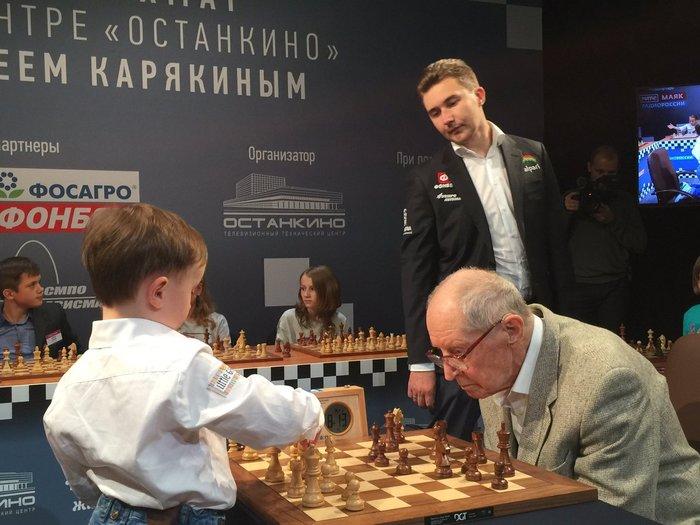 """К посту """"Сильное фото: соперники с разницей в возрасте свыше 90 лет"""" Шахматы, Партия, Фотография, Видео"""