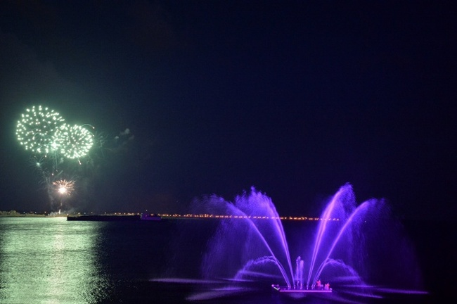 Саратовцам нравится новый фонтан, но они расстроены отсутствием воды в домах Фонтан, Саратов, Отключение воды