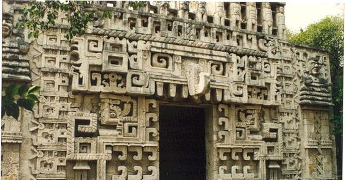 mayan art and architecture essay Learn the art of brilliant essay writing compare and contrast ancient egyptian and mayan civilisations  the idea that mayan agriculture was of a simple.