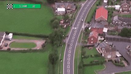 Овцы выстроились в форме велосипеда на этапе Тура Британии Гифка, Овцы, Велоспорт, Тур Британии, Велосипед