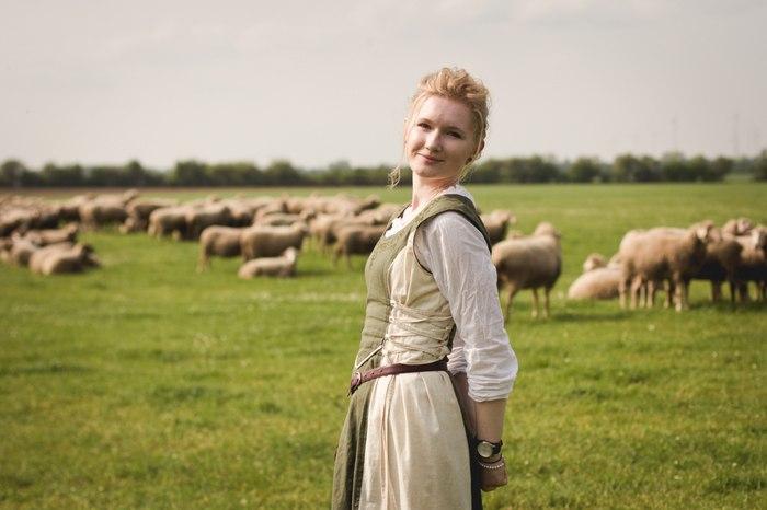 Летние прогулки Девушки, Красивая девушка, Германия, Овцы, Саксония-Ангальт, Лето