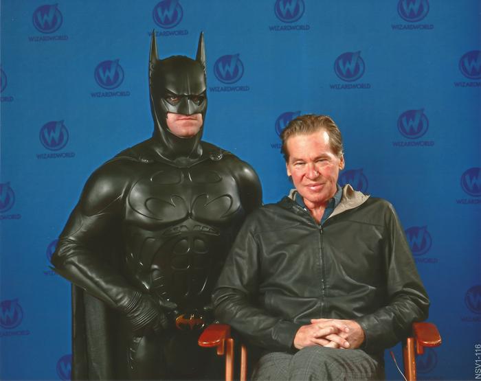 """Вэл Килмер и тот самый бэт-костюм в котором он снимался в """"Бэтмен навсегда"""""""