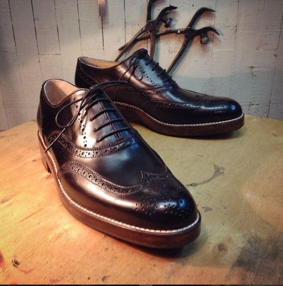 b196bac15 Создание пары мужских брогированных оксфордов Мужская обувь, Ручная работа,  Рукоделие, Как это сделано