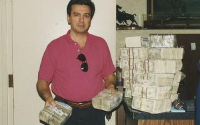 Как грек сначала выиграл, а потом проиграл 40 миллионов долларов Карты, Деньги, Лас-Вегас, Ставки, Покер, Authentique Show, Везение, Азартные игры, Длиннопост