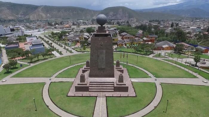 Эквадор: Пуп Земли, где вода и яйца ведут себя странно Эквадор, Пуп, Экватор, Митад дель Мундо, Путешествия, Эксперимент, Видео, Длиннопост
