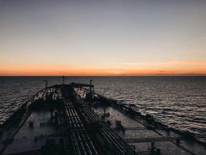 Закат у берегов Италии