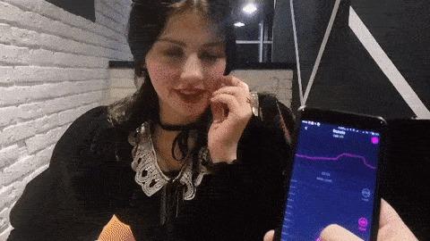 Девушка кончила в кафе — pic 4