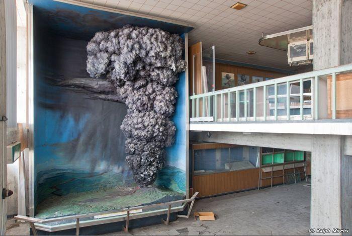 Заброшенный музей вулкана Асама, Япония