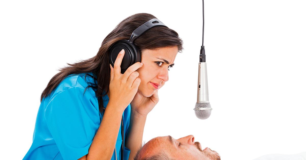 Разговоры во сне — это расстройство работы головного мозга (тех его участков, которые отвечают за ночной отдых и речь), когда в сонном состоянии человек что-то бормочет, ругается или даже кричит.