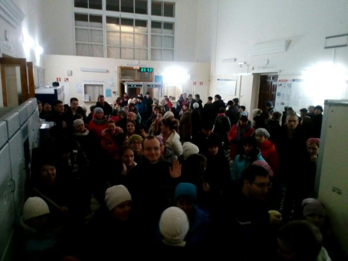 Огромная очередь выстроилась за проездными в Сыктывкаре