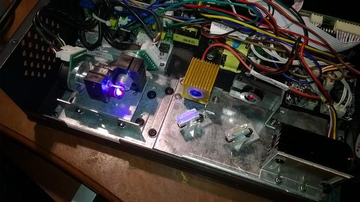 Я веру в силу Пикабу |  Помогите определить эл.двигатель. Радиотехника, Паяльщики, Ремонт лазера, Ремонт техники, Радиопорно, Длиннопост
