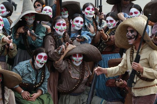 Как в Мексике отмечают День мертвых Празднование, Мексика, Мертвые, Маскарад, Длиннопост