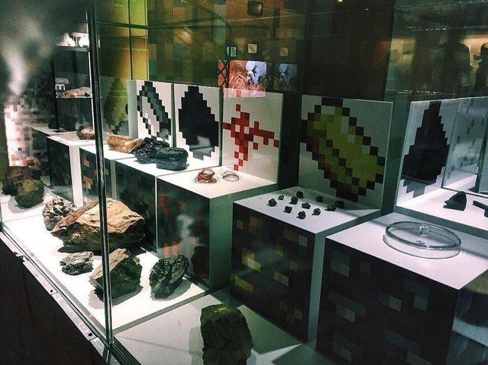 Выставку в Музее пермских древностей оформили в стиле Minecraft Minecraft, Выставка, Минералы, Длиннопост